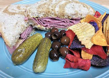 Hot-Pastrami-Sandwich_360x260
